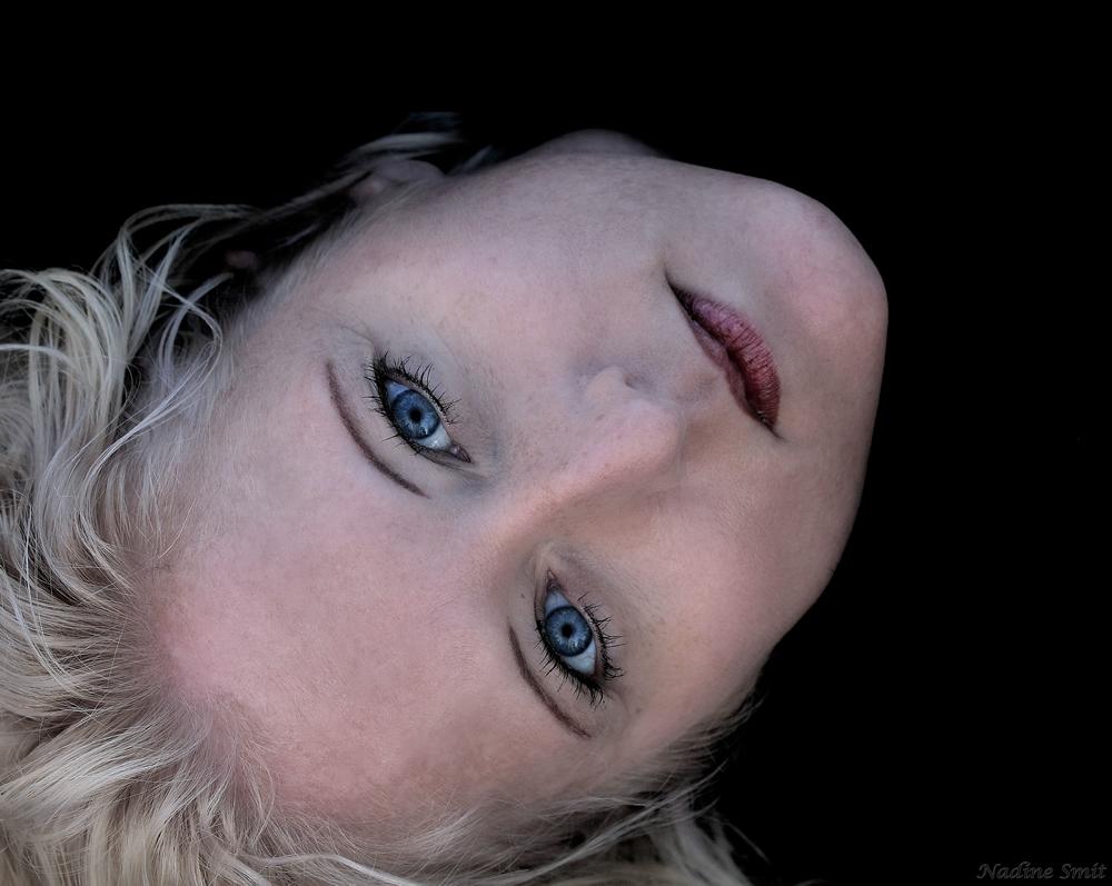 .:::BLUE EYES:::.