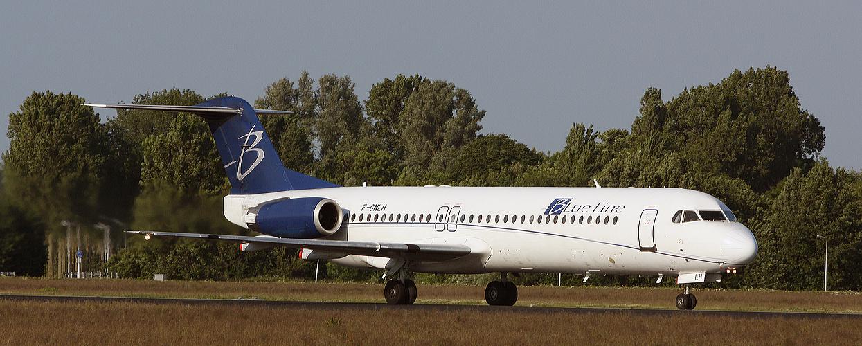 Blue Line, Fokker F-100, Reg: F-GNLH