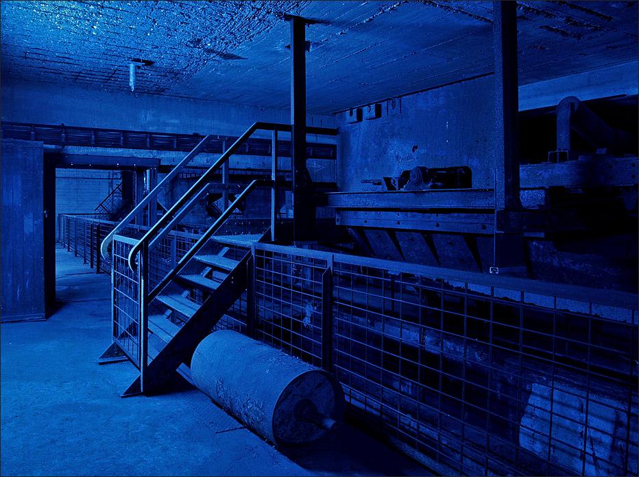 [blue room]