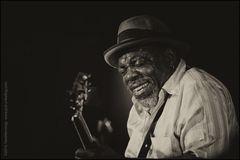 Blues 24