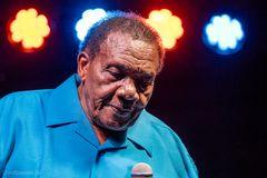 Blues Legende Willie Buck (82)