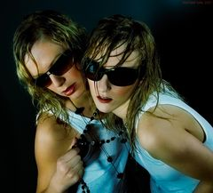...blues sisters...