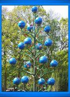 Blüten aus Stahl in blau...