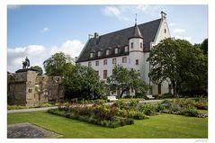 Blumenhof und Deutschherrenhaus in Koblenz...
