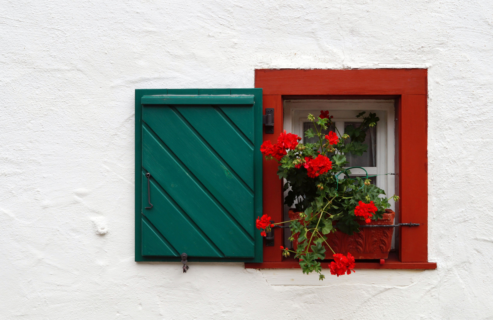Blumenkasten Mit Fenster Foto Bild Fenster Architektur Gebaude