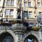 Blumenschmuck am Rathaus in München