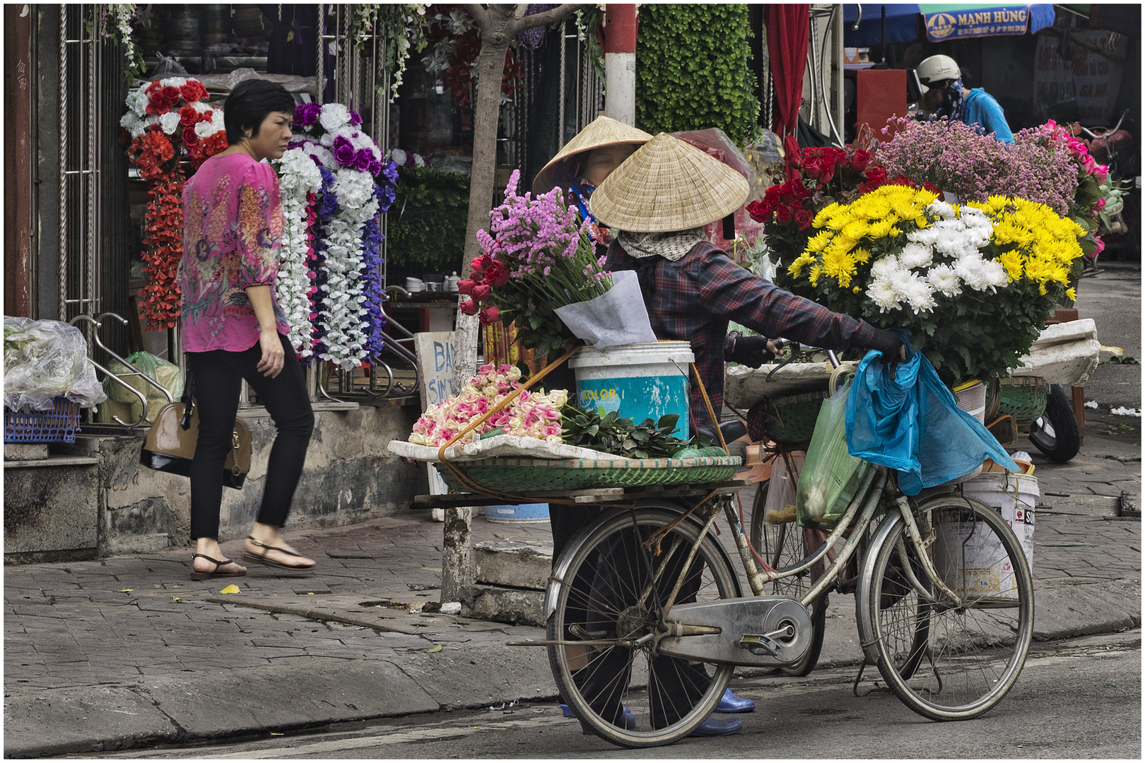 Blumenverkäuferinnen fachsimpeln