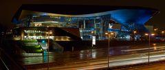 BMW Welt Muenchen bei Nacht
