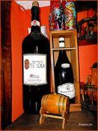 Bodegón con dos botellas II