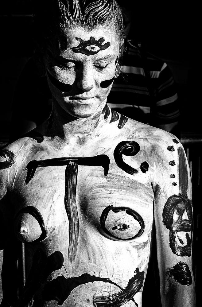 Body paint performance