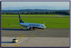Boeing 737-800 (EI-DLO)...