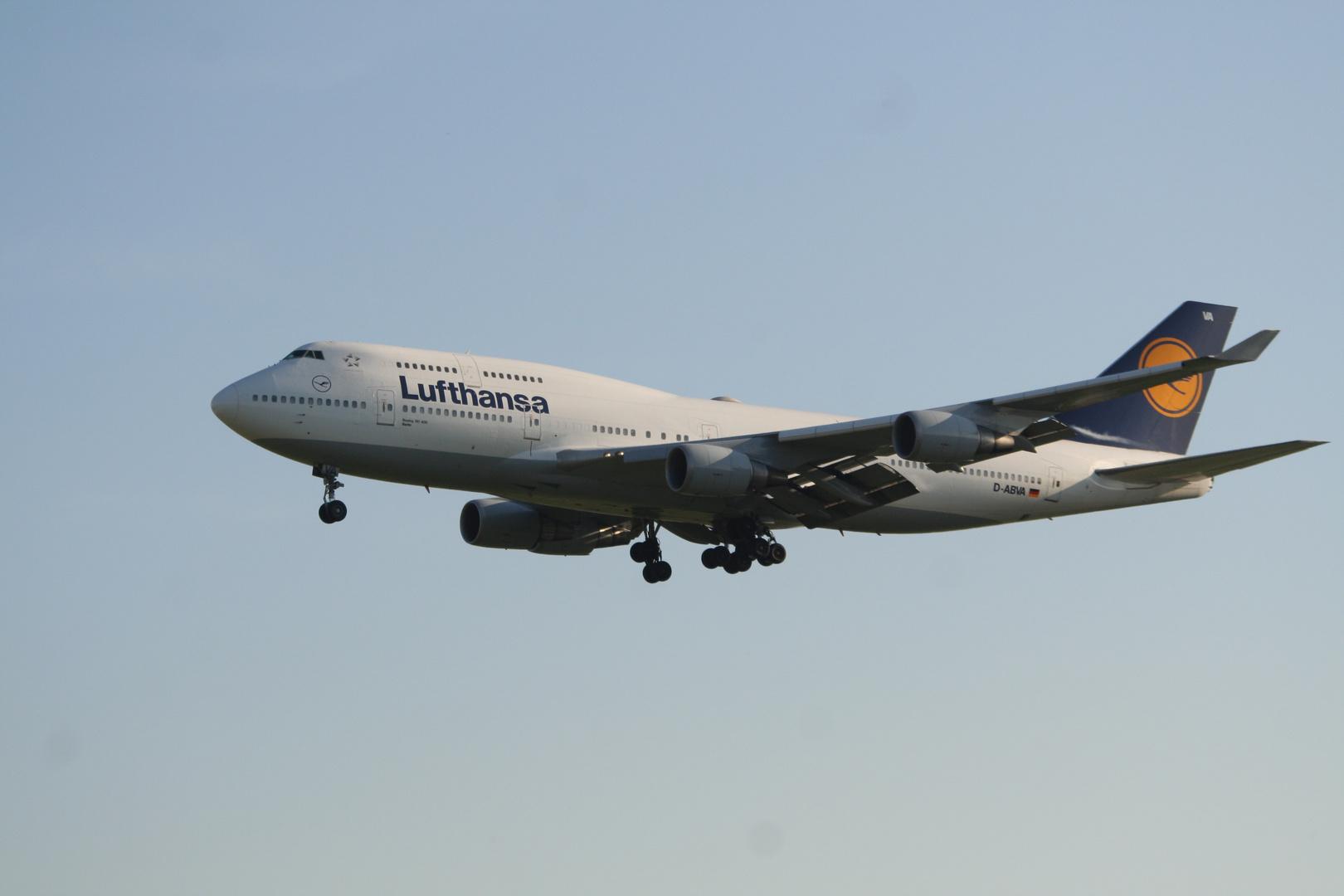 Boeing 747-400 der Lufthansa (D-ABVA)