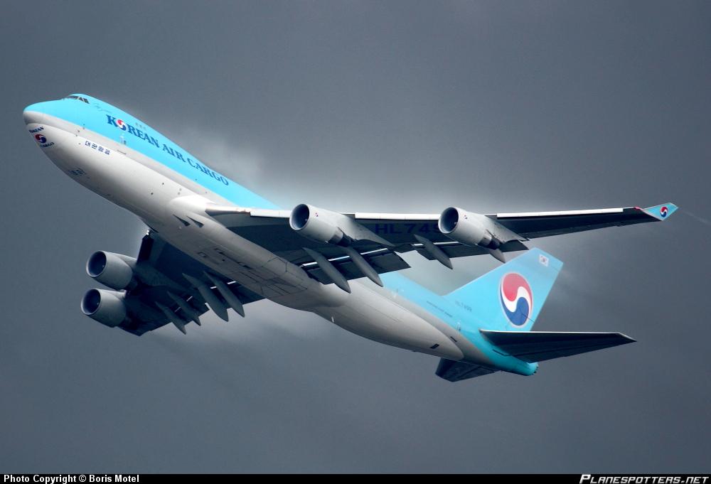 Boeing 747-4B5ERF Korean Air
