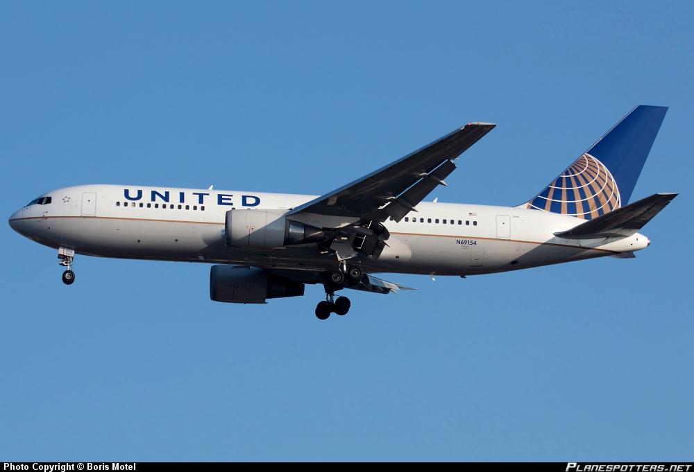 Boeing 767-224ER United Airlines