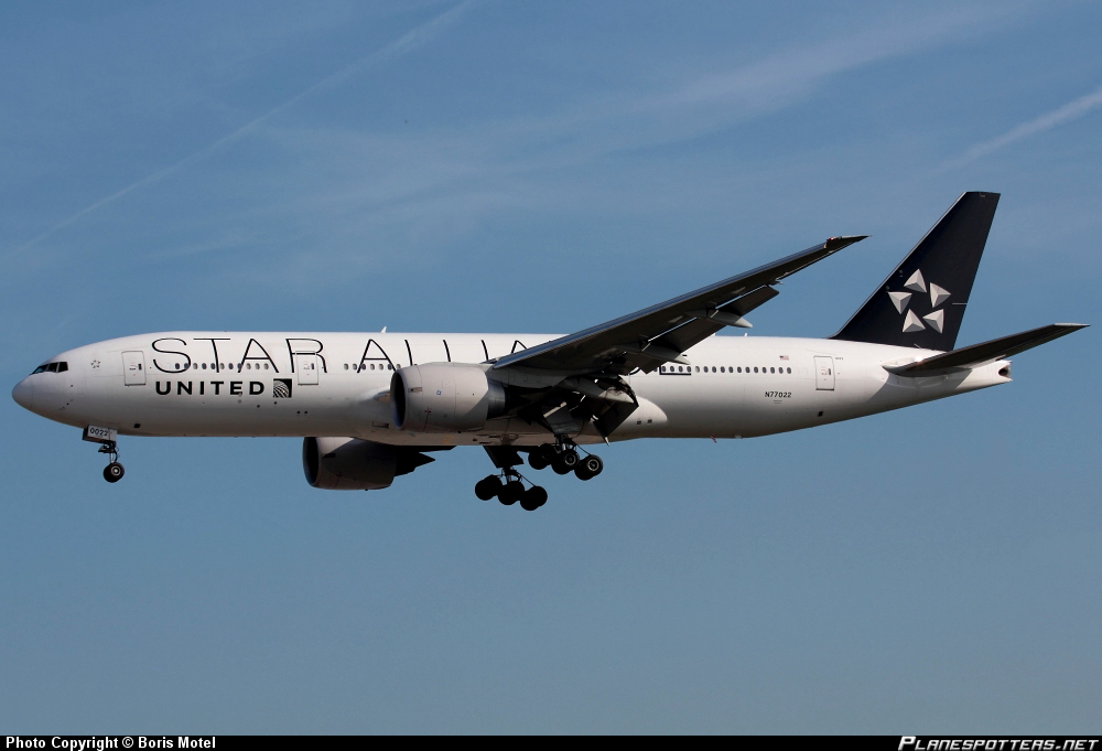 Boeing 777-224ER United Airlines *Star Alliance*