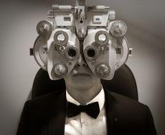 Bond, chez l'Ophtalmo