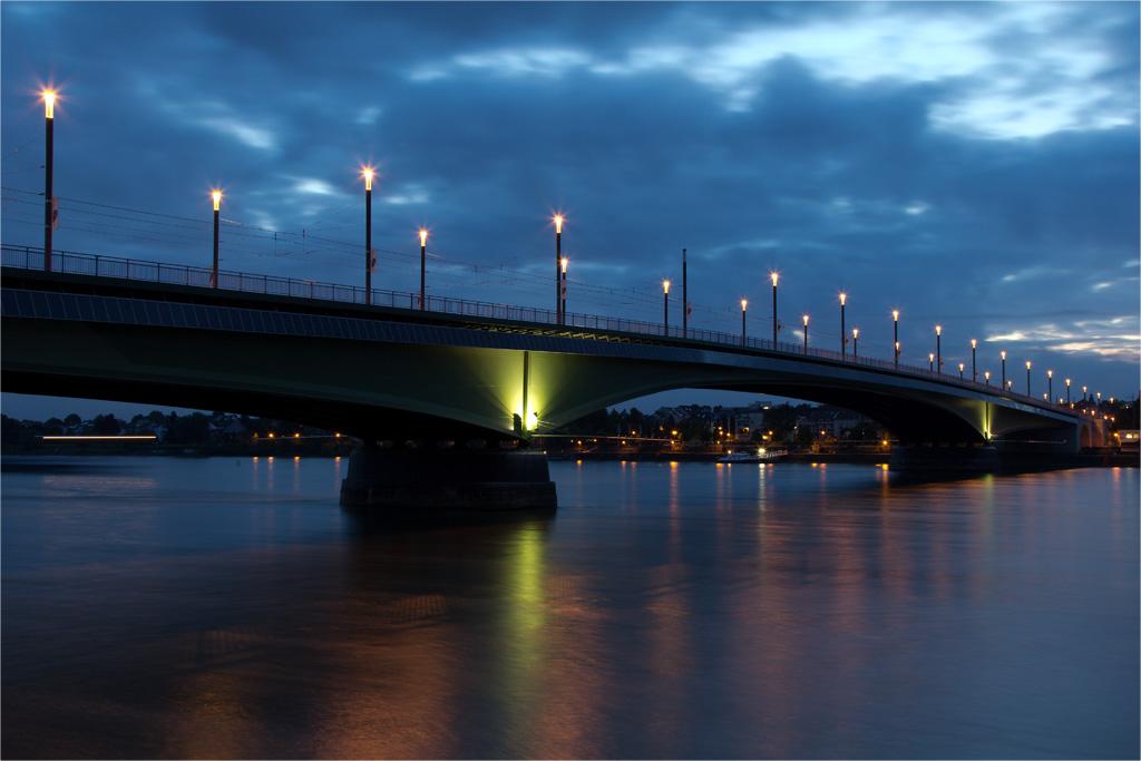 Bonn Kennedybrücke III