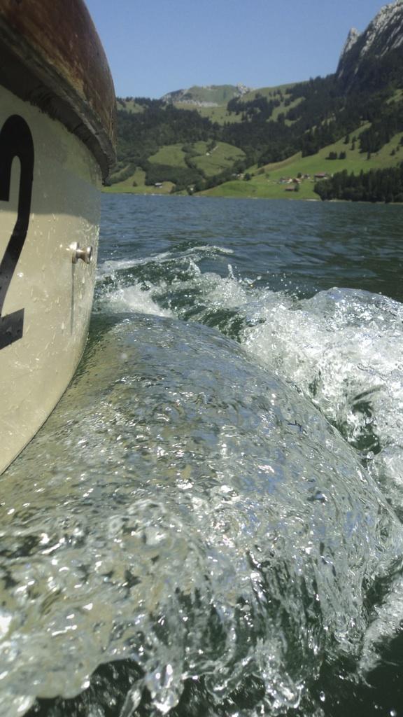 Boot & Wasser