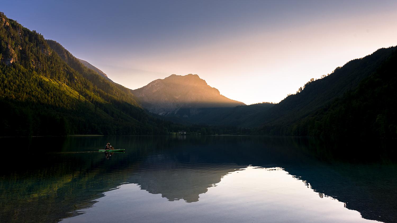 Bootsfahrt in den Sonnenuntergang