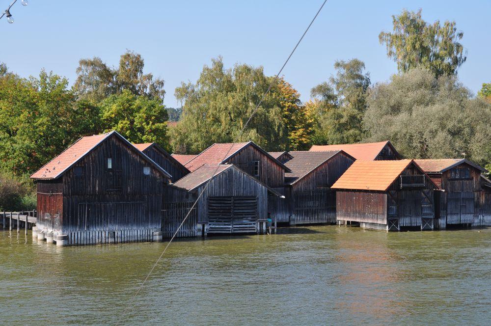 Bootshäuser in Diesen am Ammersee