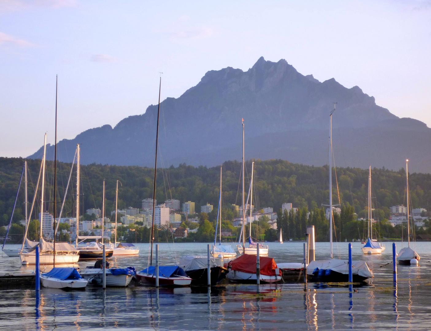Bootshafen am Churchill Quai ...
