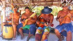 Bora Bora - native musician