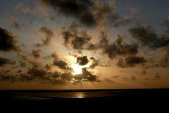 Borkum 2010 - Asche-Wolken aus Island?