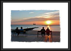 Borkum  -  Der Sonnenuntergang am Nordstrand ...