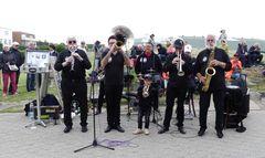 """Borkum  -  Die """"Schmackes Brass Band"""" vom Niederrhein ..."""