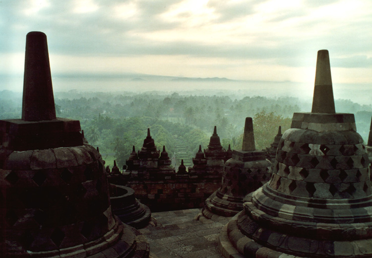 Borobudur am Anfang eines Tages