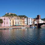Bosa an der Temo, Sardinen. Italien