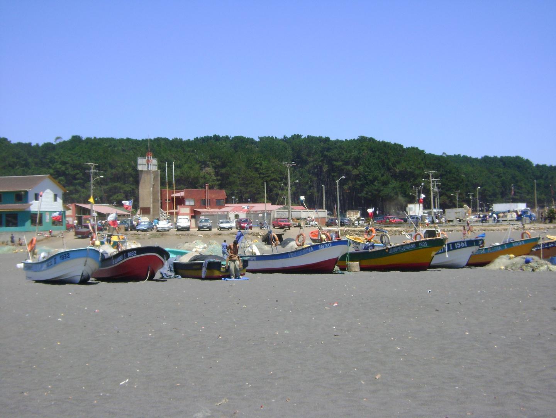 Botes Pesqueros - Playa Curanipe Chile