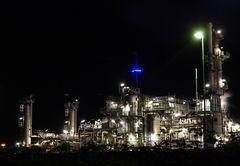 BP Raffinerie bei Nacht Part II