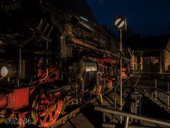 BR 01 1066 bei Nacht