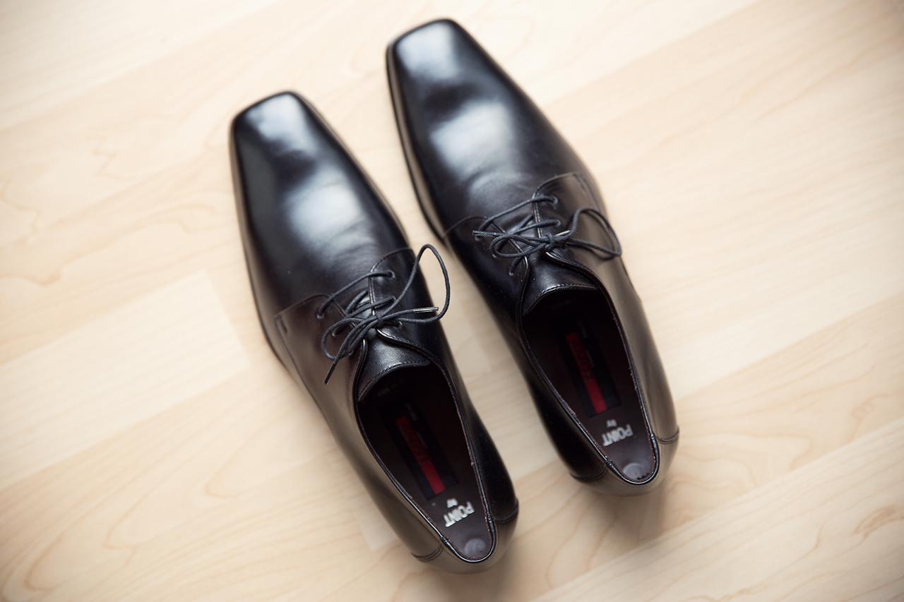 Bräutigam Schuhe vor dem ankleiden für die Hochzeit Foto & Bild ...