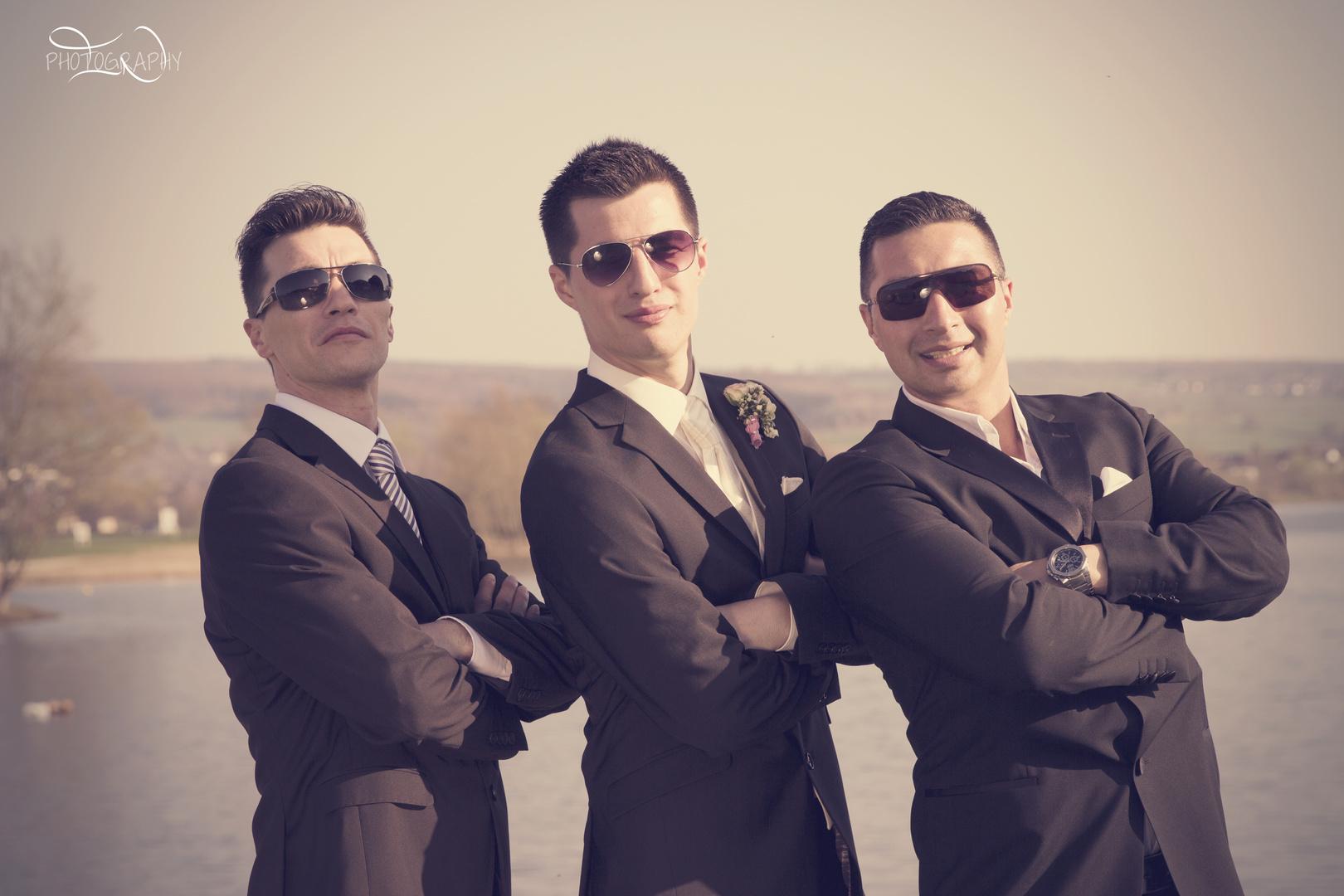 Bräutigam und seine Brüder