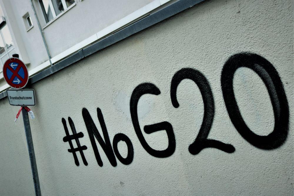 BRAND SCHUTZ ZONE G20 streetart