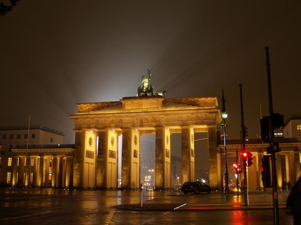 Brandenbuger Tor by Night