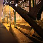 Brandenburger Brücke im Lichtermeer an Silvester