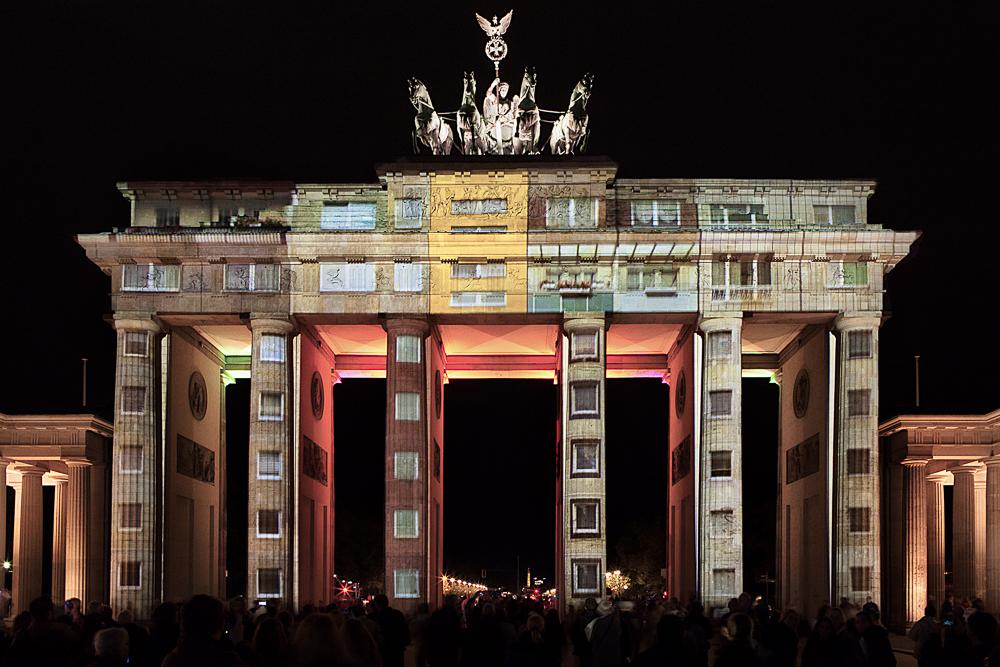 . Brandenburger Tor (ii) .