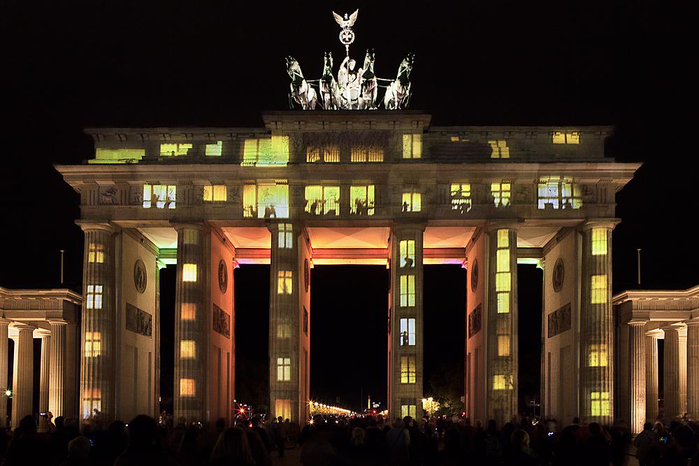 . BrandenburgerTor (iii) .