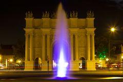 Brandenburgertor in Potsdam bei Nacht