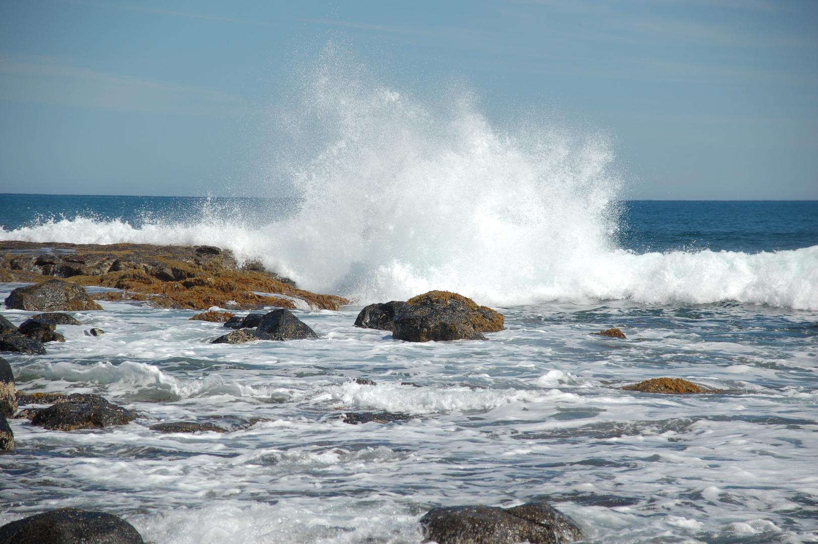 Brandung an den Felsen (Phillip Island)