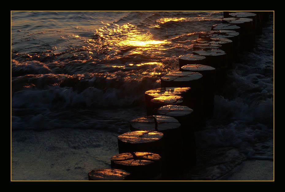 Brandung bei Sonnenuntergang