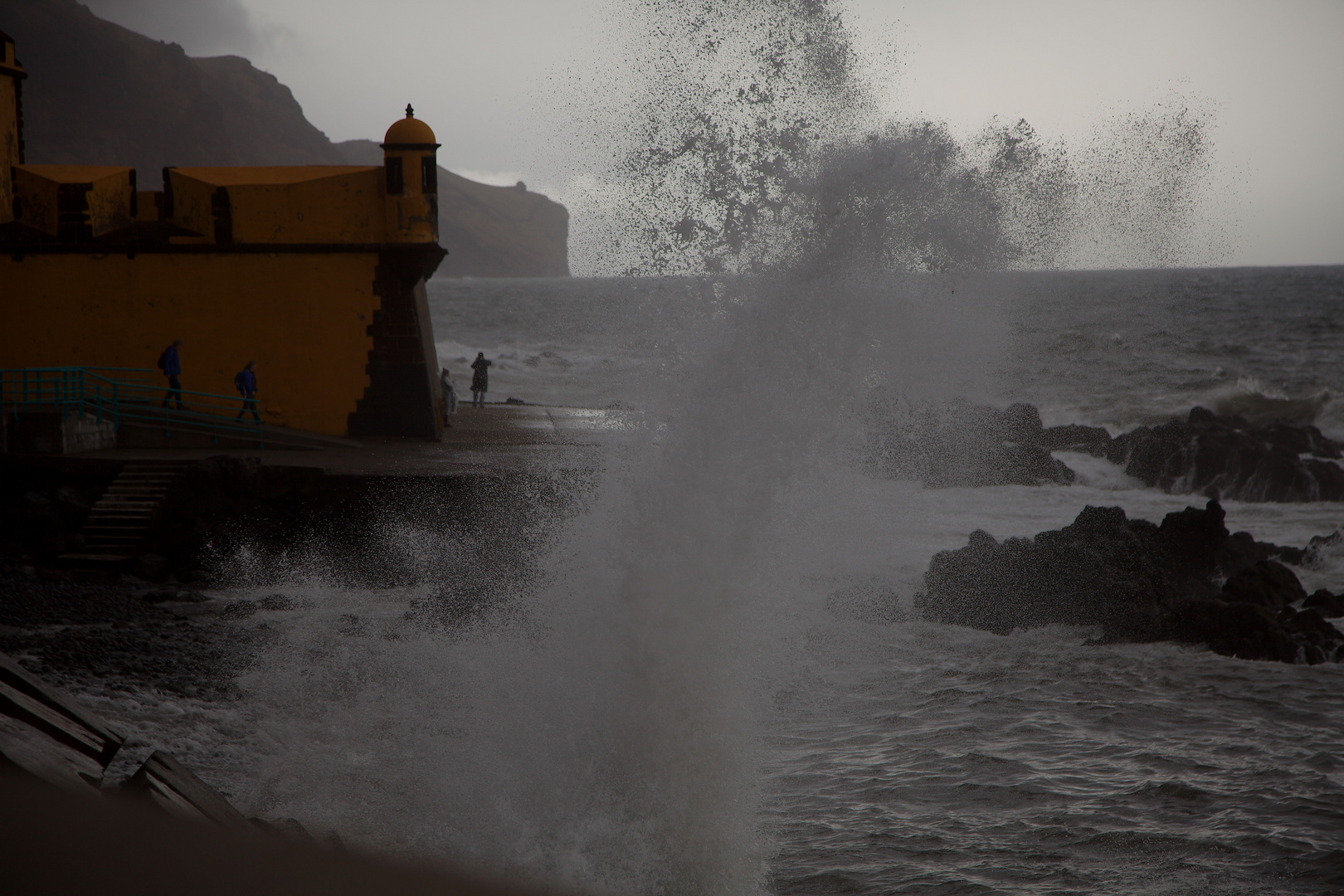 Brandung in Funchal