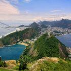 Brasilien, der Zuckerhut mit Blick zur Cristo Redentor, der Christusstatue