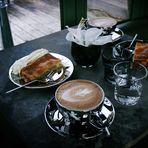 Bratapfelkuchen & Cappuccino