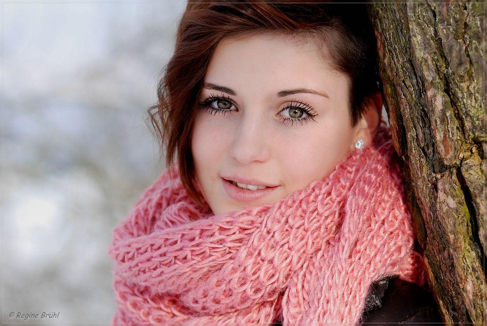 Braun-grüne Augen