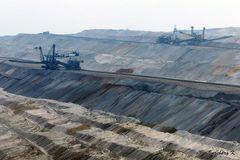 Braunkohlentagebau Hambach Abbaugebiet mit Baggern