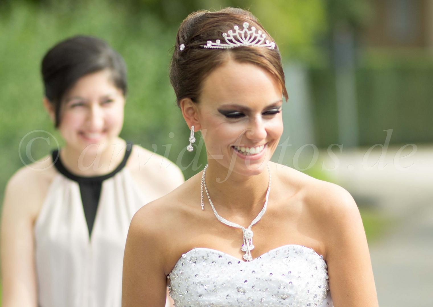 Braut und beste Freundin